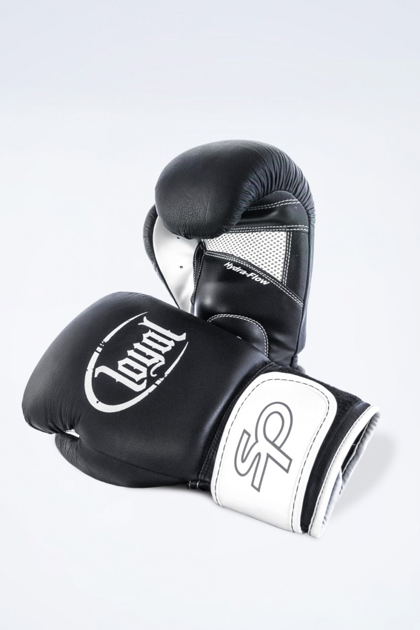 Loyal - Boxing glove (Boxhandschuhe)