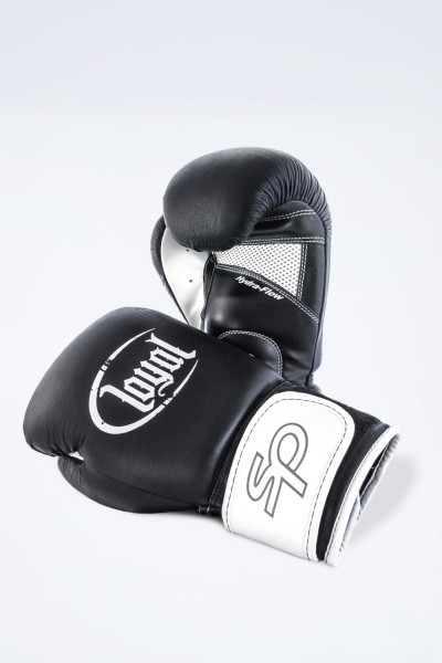 Loyal - Boxing glove (Boxhandschuhe)